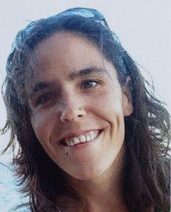 María Tavera, cooperant