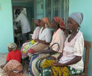 Dones africanes a la consulta oftalmològica