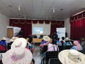 Formación en salud ocular a mujeres bolivianas
