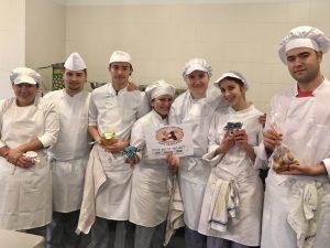 El grupo de estudiantes de cocina y pastelería solidarios