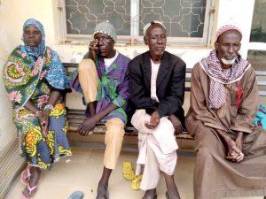 Pacientes esperando la consulta
